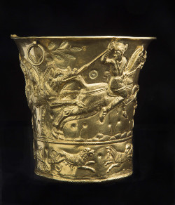 Hellenistic broosh with gem